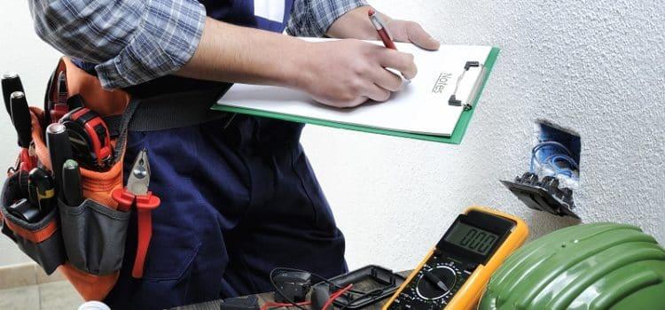 Najczęstsze przyczyny awarii elektrycznych wdomach imieszkaniach