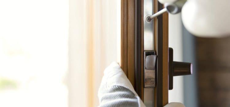 Montaż drzwi wewnętrznych krok pokroku